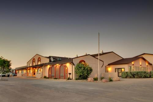 Best Western West Hills Inn