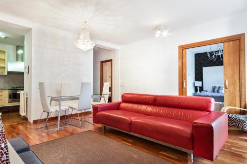 Uma Suites Luxury Downtown photo 62