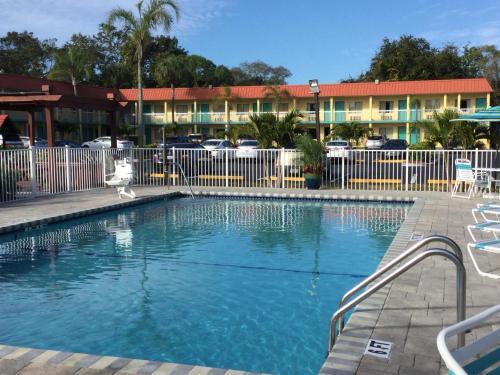 Super 8 Sarasota Near Siesta Key Photo