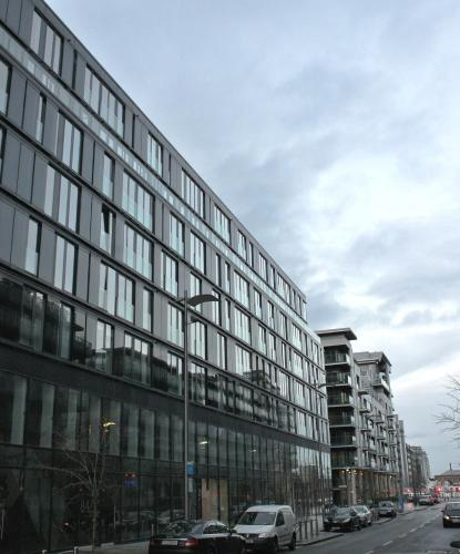 Your Base Dublin - Grand Canal Square photo 3