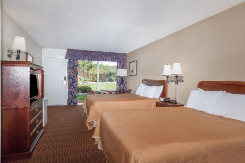 Howard Johnson Inn - Albany Photo