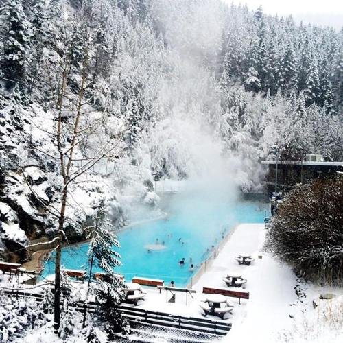 Copperhorn - Radium Hot Springs, BC V0A 1K0