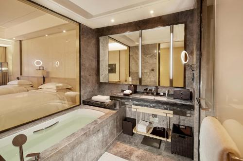 Hilton Suzhou photo 50