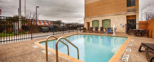 Best Western Windsor Pointe Hotel & Suites - AT&T Center Photo