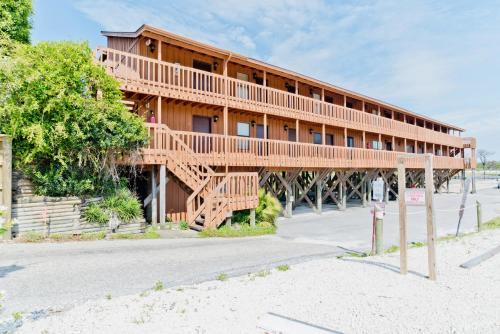 Island Dunes 117 Condo - Orange Beach, AL 36561