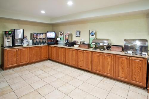 Country Inn & Suites By Radisson Kingsland Ga