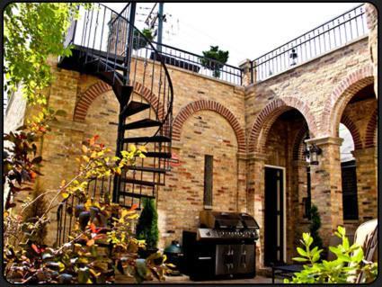 Villa D' Citta - Chicago, IL 60614