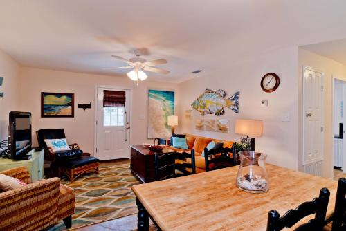 Dream Fisher Five Beach House - Orange Beach, AL 36561