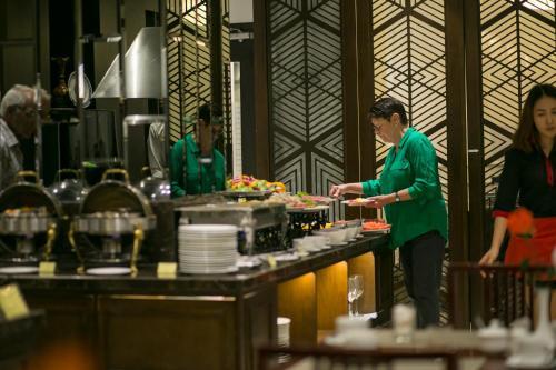Quoc Hoa Premier Hotel & Spa photo 84