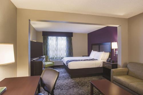 La Quinta Inn & Suites - Clearwater South Photo