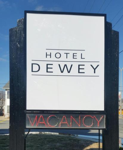 Hotel Dewey (formerly Sea Esta III) Photo