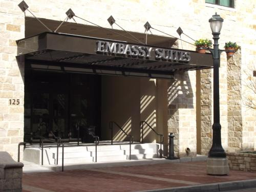 Embassy Suites San Antonio Riverwalk-downtown - San Antonio, TX 78205