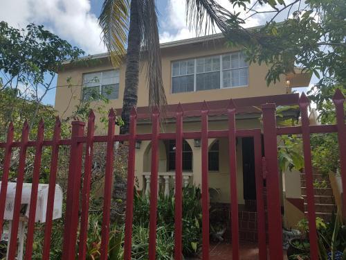 Walk In The Heart Of Wynwood - Miami, FL 33127