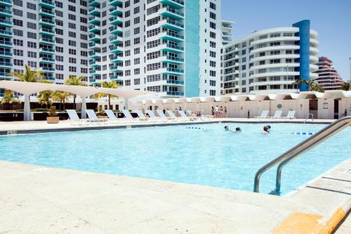 Oceanfront Contemporary Suites Photo