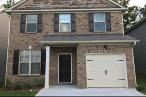 Home Away From Home - Atlanta, GA 30349