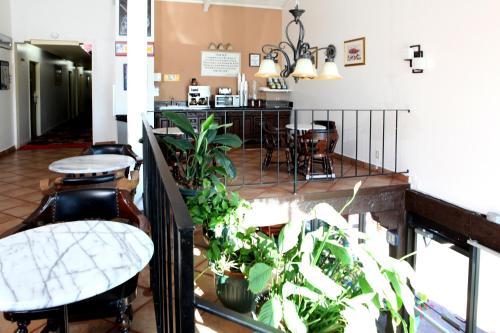 Granada Inn photo 6