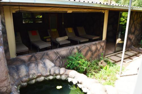 Crystal Rose Lodge Photo