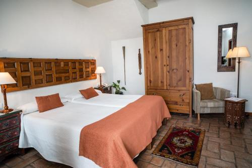 Double or Twin Room Hotel La Casa del Califa 14