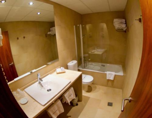 Habitación Familiar Estándar Hotel Santa Cristina Petit Spa 7