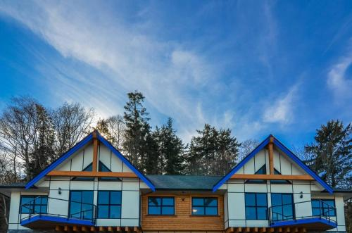 Big Rock Vacation Rental - 203 - Campbell River, BC V9W 1B3