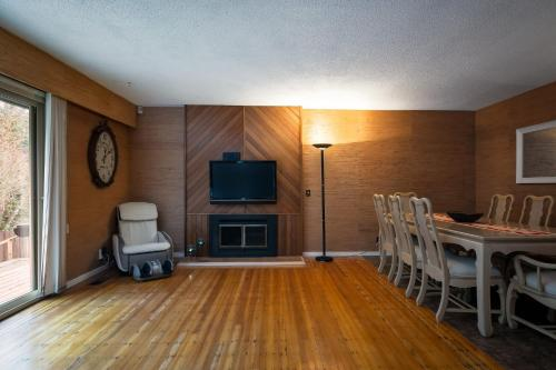 Quiet Rancher in Scenic Canyon Heights BC 3115321