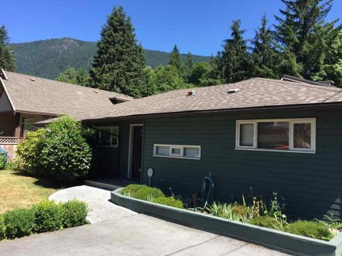 Quiet Rancher In Scenic Canyon Heights - North Vancouver, BC V7R 4G3