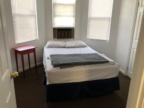 Private Two Bedroom Row Home - Philadelphia, PA 19134