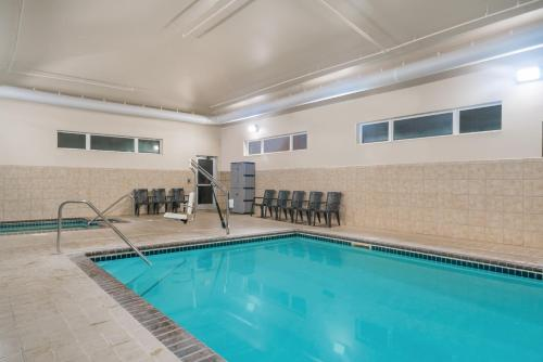Microtel Inn & Suites by Wyndham Springfield Photo