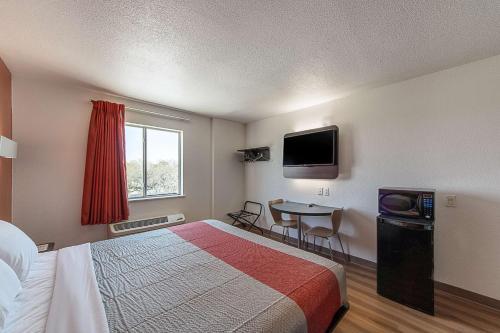 Motel 6 San Antonio Downtown Alamodome Photo