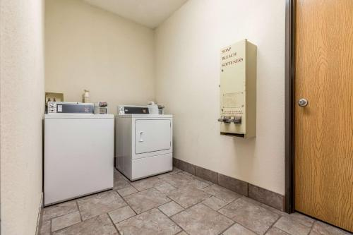 Motel 6 Indianapolis - Southport - Indianapolis, IN 46237