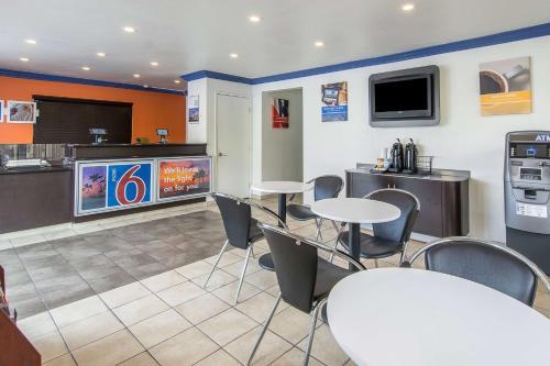 Motel 6 Anaheim - Buena Park Photo