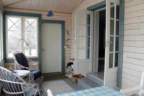 Stenholmen kontoret - cozy cottage by the sea