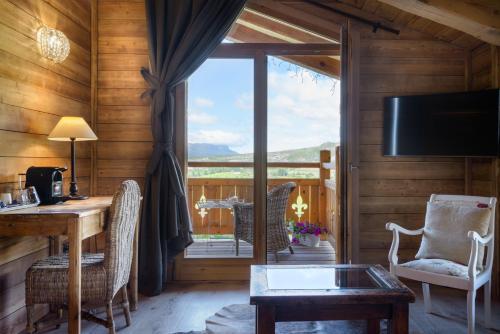 Suite Hotel Viñas de Lárrede 4