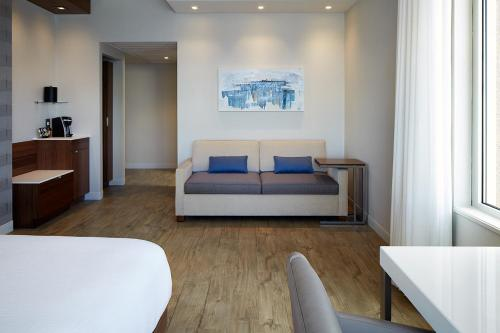 Delta Hotels by Marriott Trois Rivieres Conference Centre Photo