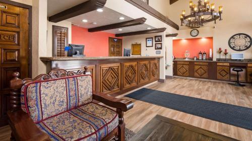 Best Western Americana Inn Photo