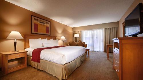 Best Western Plus Palm Desert Resort Photo