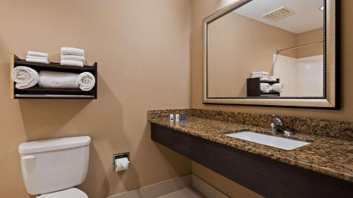 Best Western Bayou Inn and Suites Photo