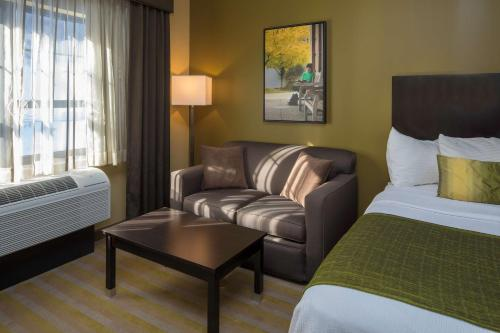Best Western Plus Franciscan Square Inn & Suites Steubenville