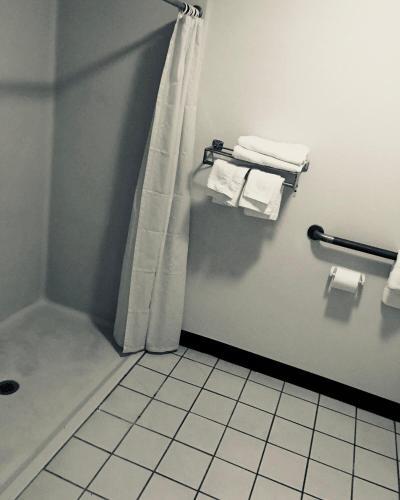 Rest Inn Motel - Forrest City, AR 72372