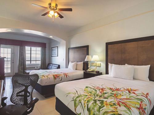 La Quinta Inn & Suites South Padre Island Photo