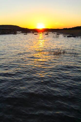 Vacation Villages At Lake Travis By Vri Resort - Lago Vista, TX 78645