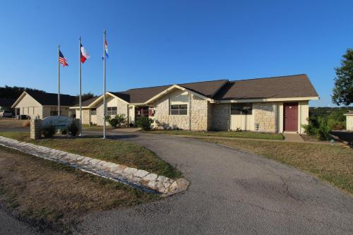 Vacation Villages at Lake Travis by VRI Resort Photo