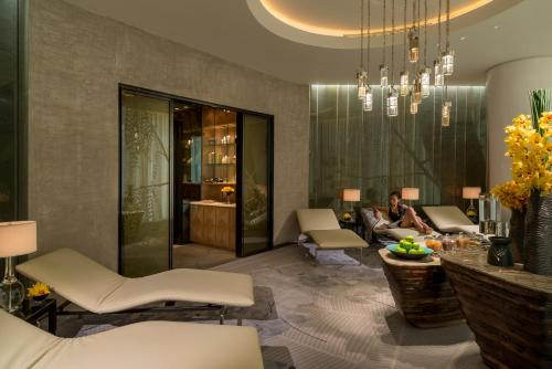 Four Seasons Hotel Guangzhou photo 25