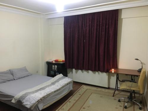 Istanbul Room in student shared flat near 4.levent