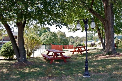 Quality Inn Mount Vernon Photo
