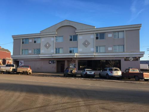 The Silverado Inn - Dawson Creek, BC V1G 5A2