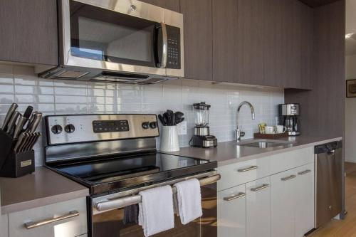 Panoramic View Of The Entire City! - 2 Bd/2ba - Philadelphia, PA 19106