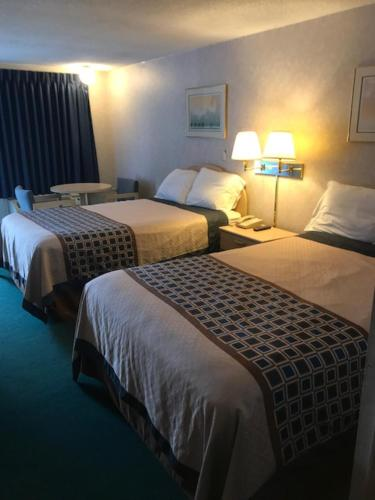 Rodeway Inn Findlay Photo
