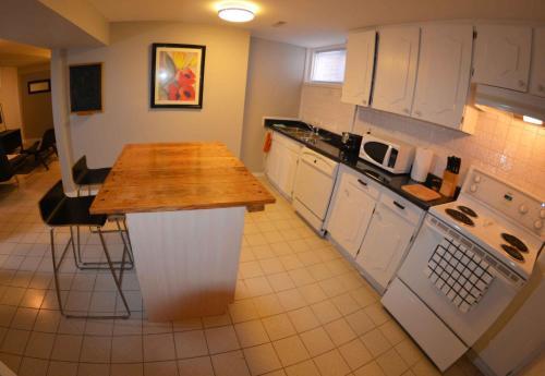 Lower Apartment In Raised Bungalow