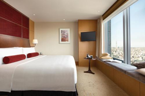 Shangri-La Hotel, Tokyo photo 12